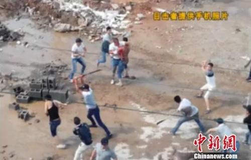 网传江西数十男子持刀砍村民 官方澄清与拆迁无关