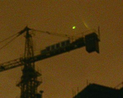 武汉上空6日凌晨飞过绿黄色神秘光团(图)